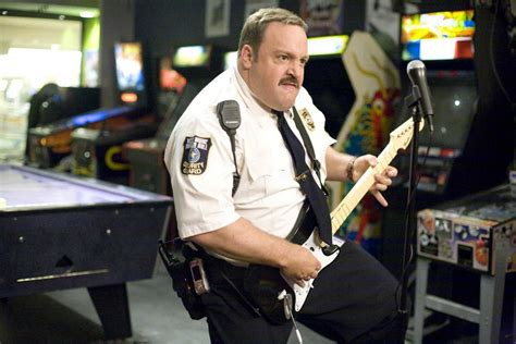 paul blart mall  thomas pluck