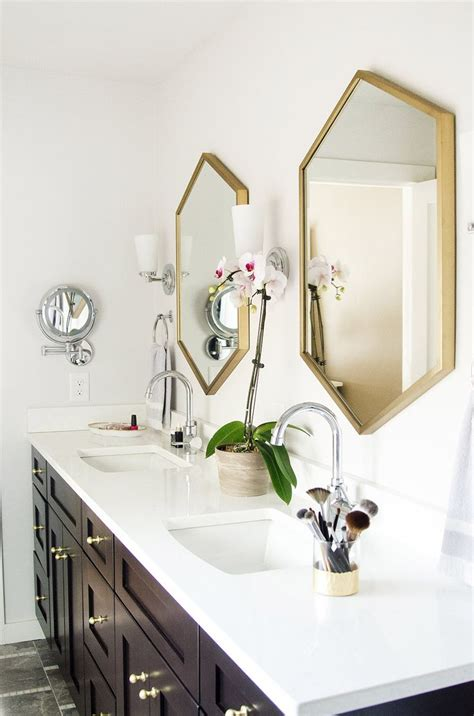 gold bathroom mirror 25 best ideas about brass bathroom on brass 12985