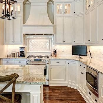 ivory white kitchen cabinets 1000 ideas about ivory kitchen cabinets on 4887