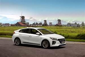 Fiabilité Toyota Auris Hybride : essai hyundai ioniq hybride 2016 prius prends garde l 39 argus ~ Gottalentnigeria.com Avis de Voitures