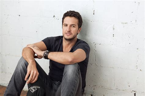 What Song Will Luke Bryan Sing On Today Aug. 16?