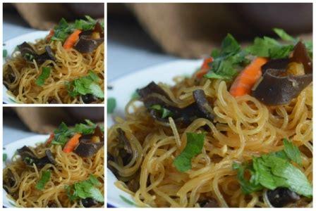 2 buah daun bawang : Resep Tumis Soun Jamur Kuping Spesial - County Food