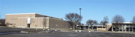 File:Mercy High School Farmington Hills Michigan.JPG ...