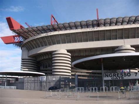 Stadio San Siro Ingresso 7 by Gate 7 Foto Di Stadio Giuseppe Meazza San Siro