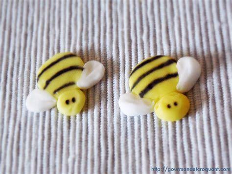 abeille pate a sucre gourmand et croquant d 233 buter avec la p 226 te 224 sucre les bases du cake design suite