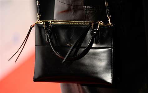 Karlie Kloss Leather Shoulder Bag Handbags Lookbook