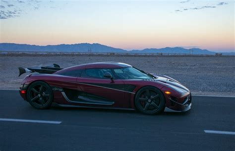 koenigsegg agera rs sets top speed record  fastest car
