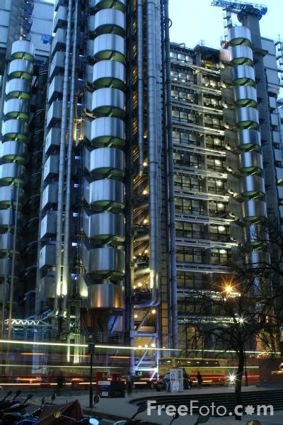 famous lloyds building  night pictures