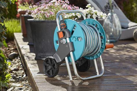 gardena schlauchwagen 20m gardena schlauchwagen aquaroll s set kpl mit 20m schlauch systemteilen und spritze 18502 20