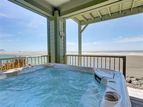 houses with tubs to rent friendly oceanfront home with vrbo