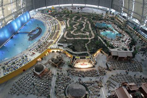 biggest indoor water park   world simplemost