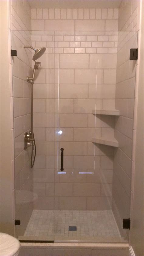 Badezimmer Fliesen Regal by Tile Shower Tile Shower With Corner Shelves And Inlays 18