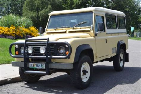 find  land rover defender  oneten  door truck