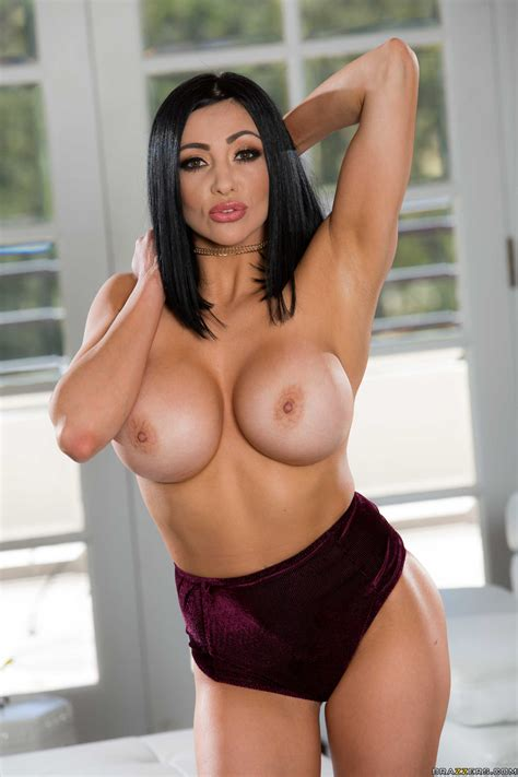brunette with big tits likes casual sex photos audrey bitoni keiran lee milf fox