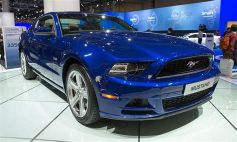 Ford Mustang Muscle Car Gallops To Britain To Woo Mondeo