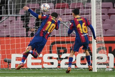Messi equals Pele goal record but Barca loses more ground ...