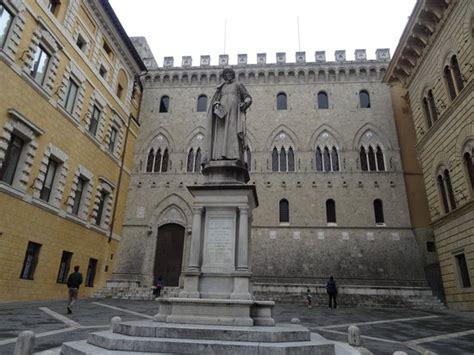 Sede Monte Dei Paschi Di Siena Monte Dei Paschi Di Siena Piazza Salimbeni 3