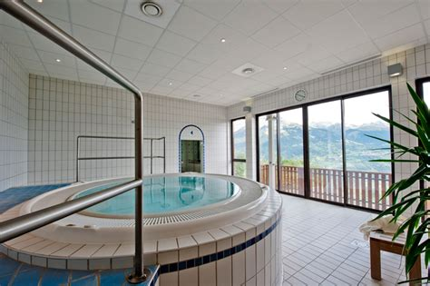 h 233 bergement la plagne location la plagne piscine int 233 rieure salle fitness baln 233 o la marmottane