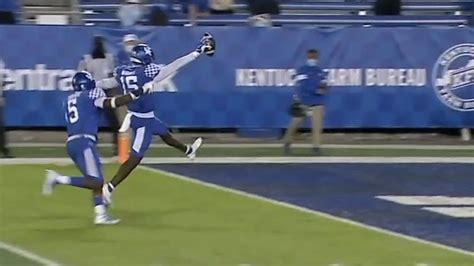 Wright walks in for pick-six vs. Mississippi State