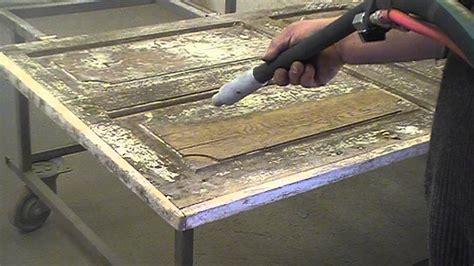 decapage aerogommage sablage porte interieure en bois