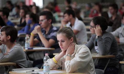 Lauree Senza Test D Ingresso by L Universit 224 Di Bologna Si Restringe Ormai Un Corso Su