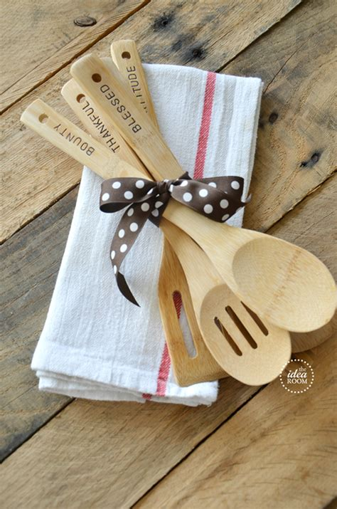 christmas hostess gifts to make hostess gift sted wooden utensils the idea room