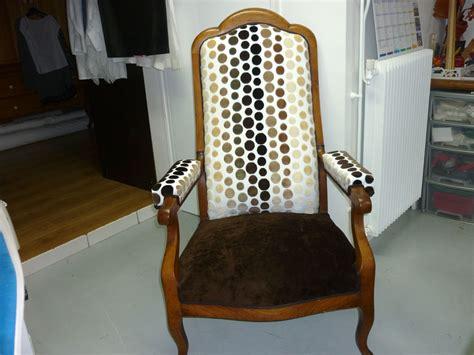 tapissier canap restauration fauteuil voltaire avec mousse les de r