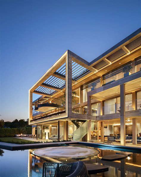 bel airs  sq ft villa sarbonne lists