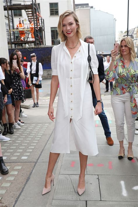 Karlie Kloss Arriving Vogue House For The August