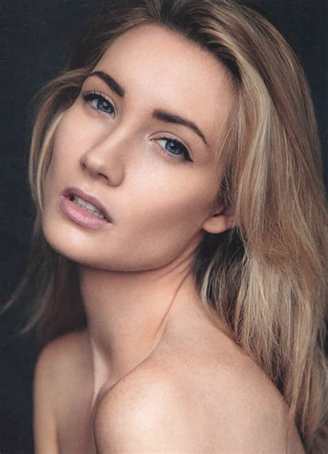 Chloe   QUEST Artists & Models