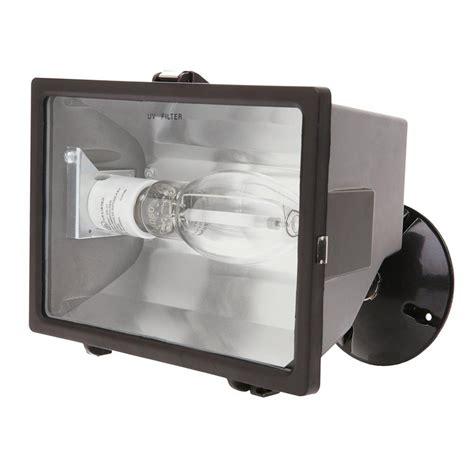 hps light fixture home depot designer 39 s edge 150 watt bronze outdoor flood light with