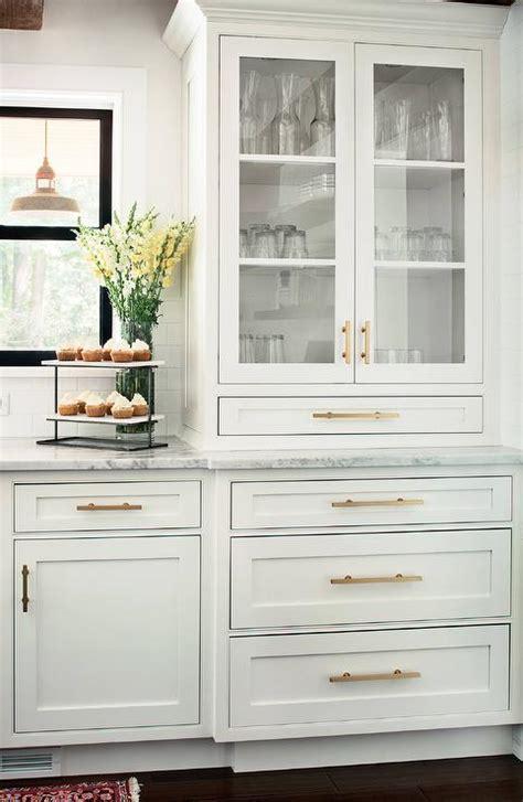 White Kitchen Cabinets With Brass Hardware Design Ideas