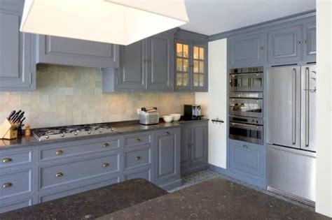 cuisine repeinte en noir armoire designe armoire ancienne repeinte en noir