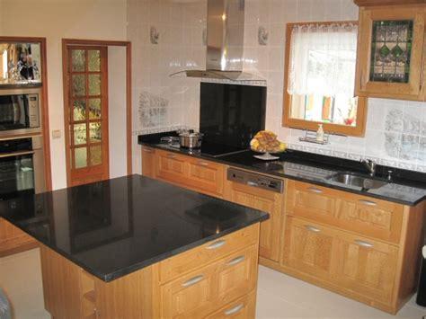 renovation cuisine plan de travail modele de cuisine en bois avec marbre mzaol com