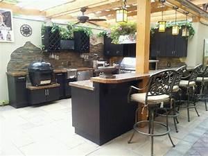 Outdoor Kitchen Showcase Gallery - Outdoor Kitchen