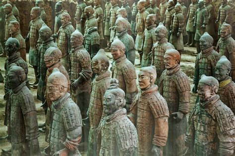 terracotta army statue  shaanxi thousand wonders