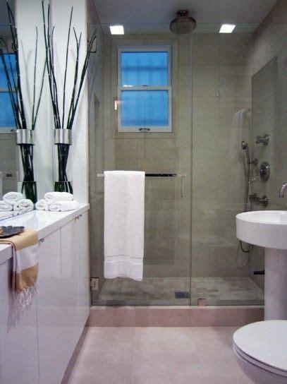 narrow bathroom ideas arredare un bagno lungo e stretto bagno stretto e lungo