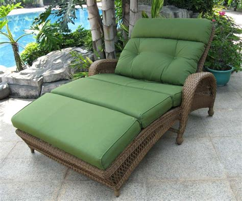 chaise a but wicker chaise lounge outdoor furniture peenmedia com