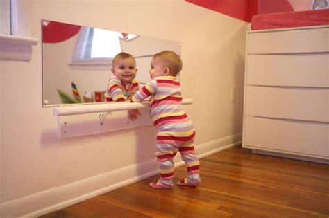 chambre pour nouveau marié chambre montessori le béaba pour que bébé grandisse