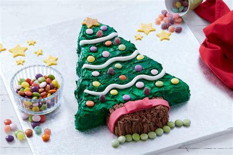 cakes to make at christmas how to make a christmas tree cake hobbycraft blog