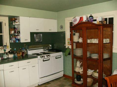 geneva metal kitchen cabinets 1950s vintage metal geneva kitchen cabinets 3745
