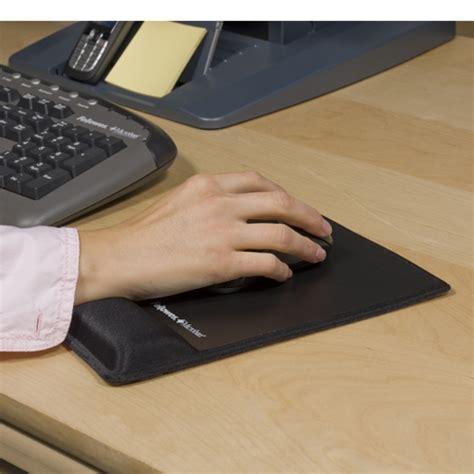 position ergonomique au bureau tapis de souris ergonomique canal carpien 28 images