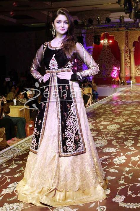 alia bhatt  lehenga choli zeenat style
