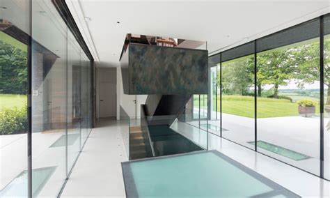 structural glass floor build