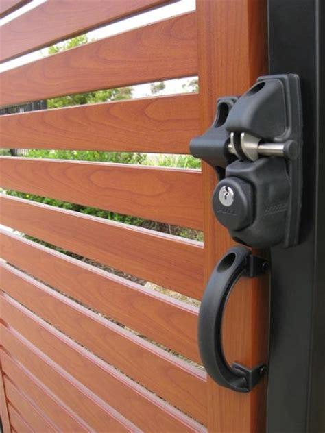 gate handle shdl  safetech hardware