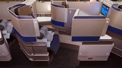 Can United Airlines' Polaris Compete As the Best Business Class Service In The World?