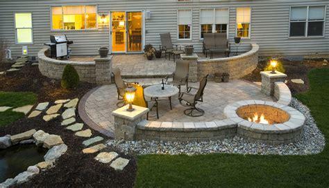 Paving Ideas For Backyards by 24 Paver Patio Designs Garden Designs Design Trends