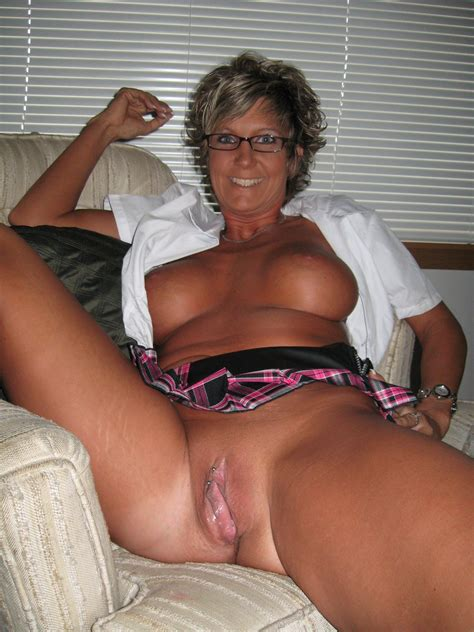 Mature Sex Wife Spread Pussy