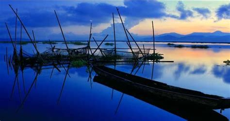 keseruan  danau tondano minahasa tempat wisata terbaik