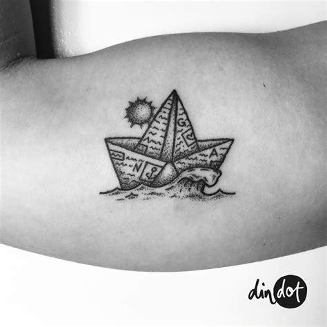 Origami Paper Boat Meaning by Newspaper Paper Boat Sea Sun σχέδια τατουάζ